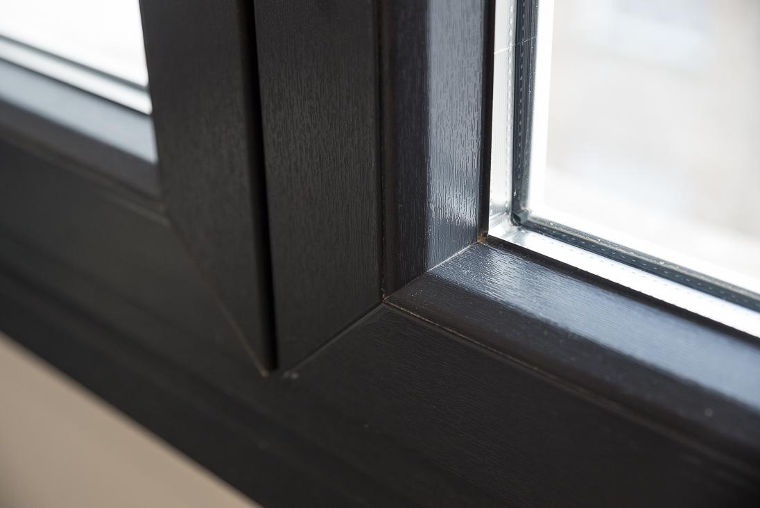 reforma ventanas zaragoza - ventanas textura madera zaragoza