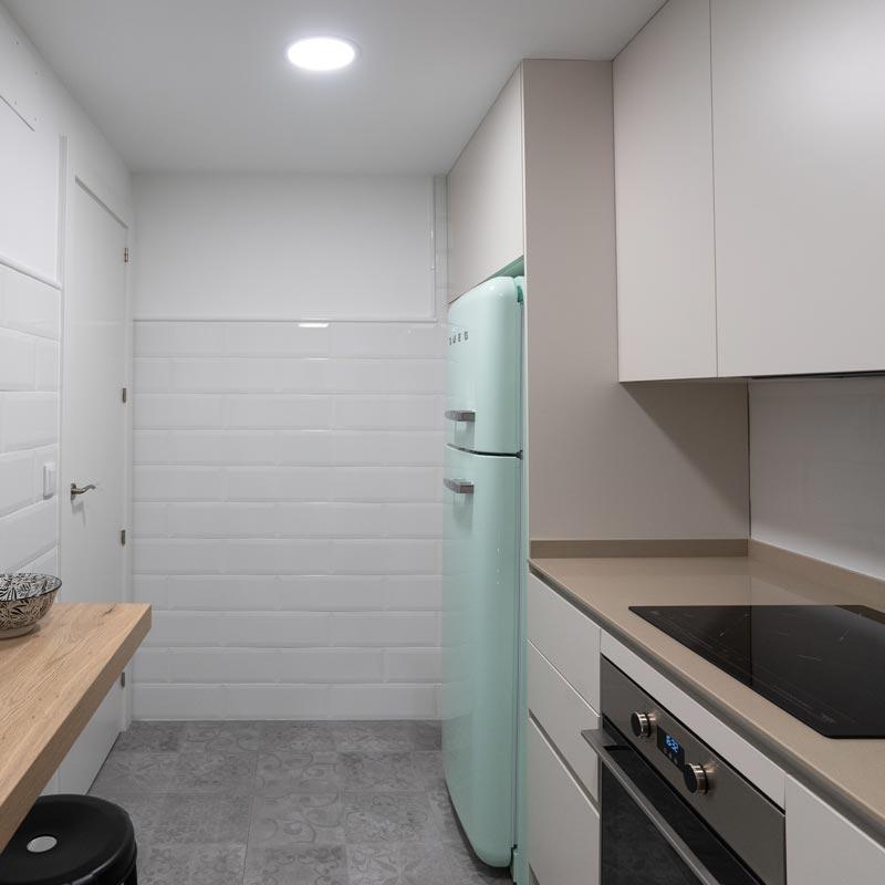 reforma integral de apartamento en zaragoza - estado reformado de la cocina