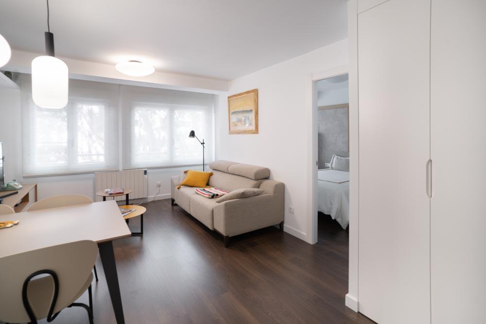 reforma integral de apartamento en zaragoza - proyecto rebolería por cota zeta